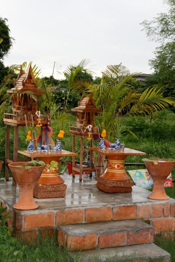 La thailande c'est de petites temples de partout ...